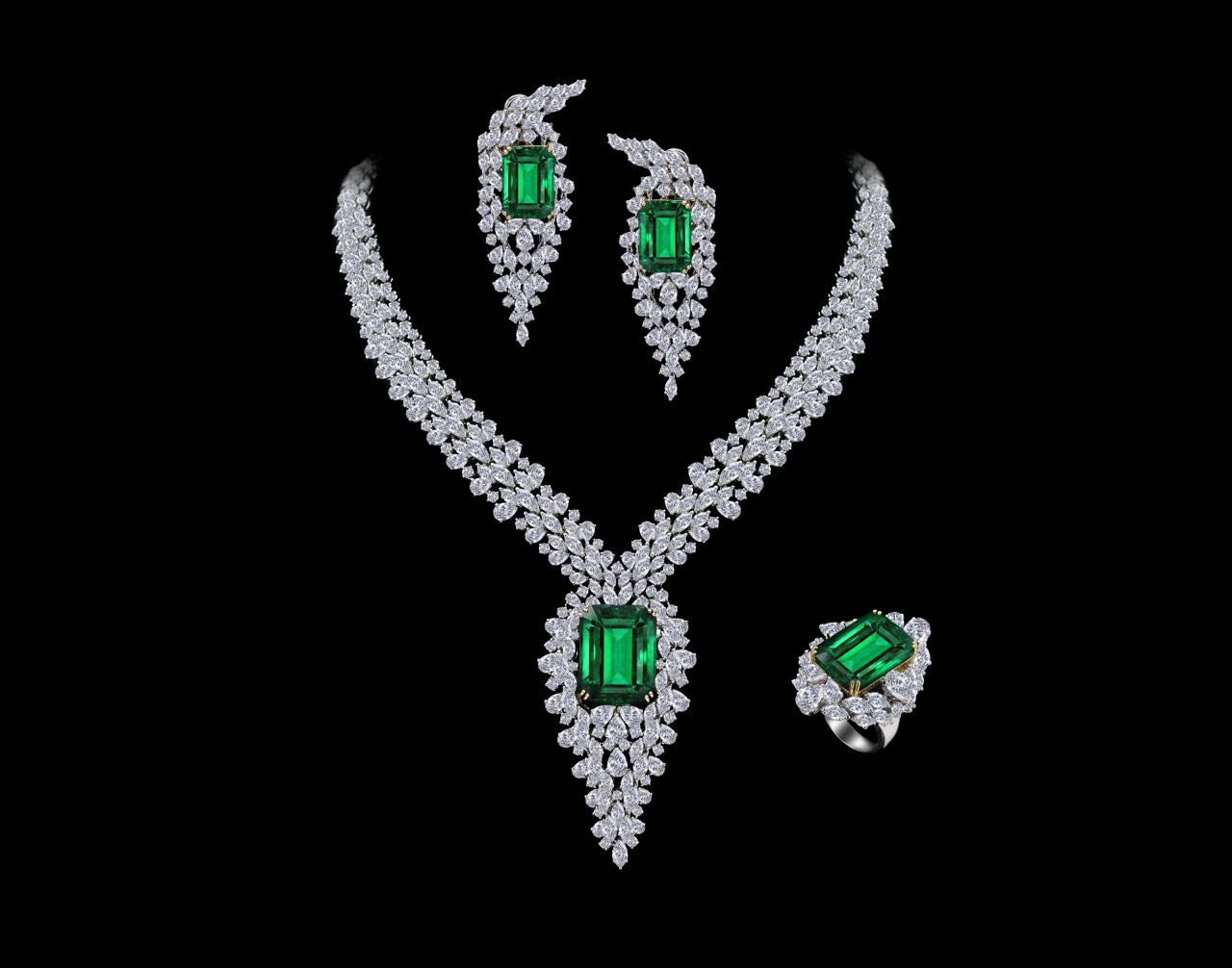 Diamond and emerald necklace, earrings and ring set