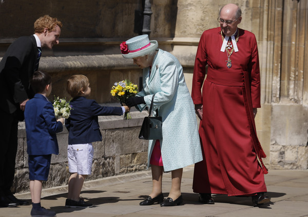 Queen+Elizabeth+II+Royal+Family+Attend+Easter+1lrtc0dYn55l