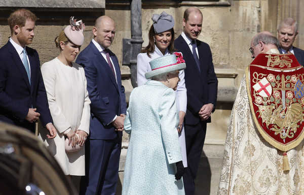 Queen+Elizabeth+II+Royal+Family+Attend+Easter+FCilHrflSznl